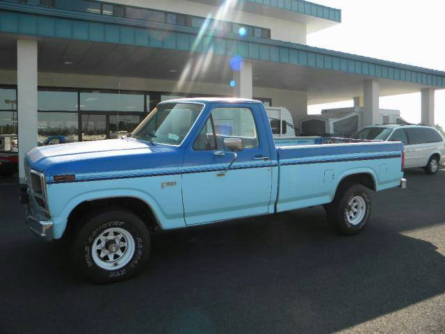 1983 Ford F150-Regular-Cab