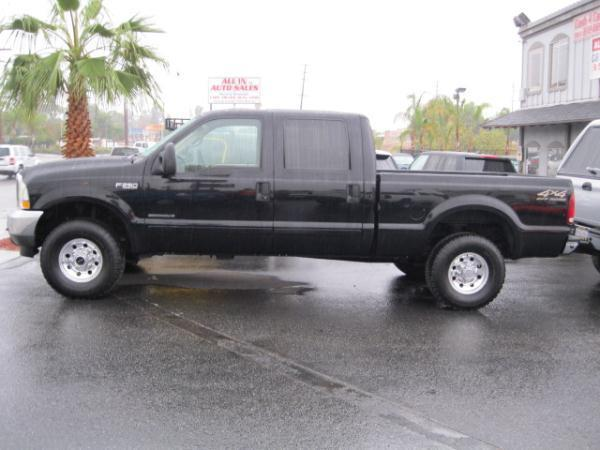 2002 Ford F250-Super-Duty-Crew-Cab