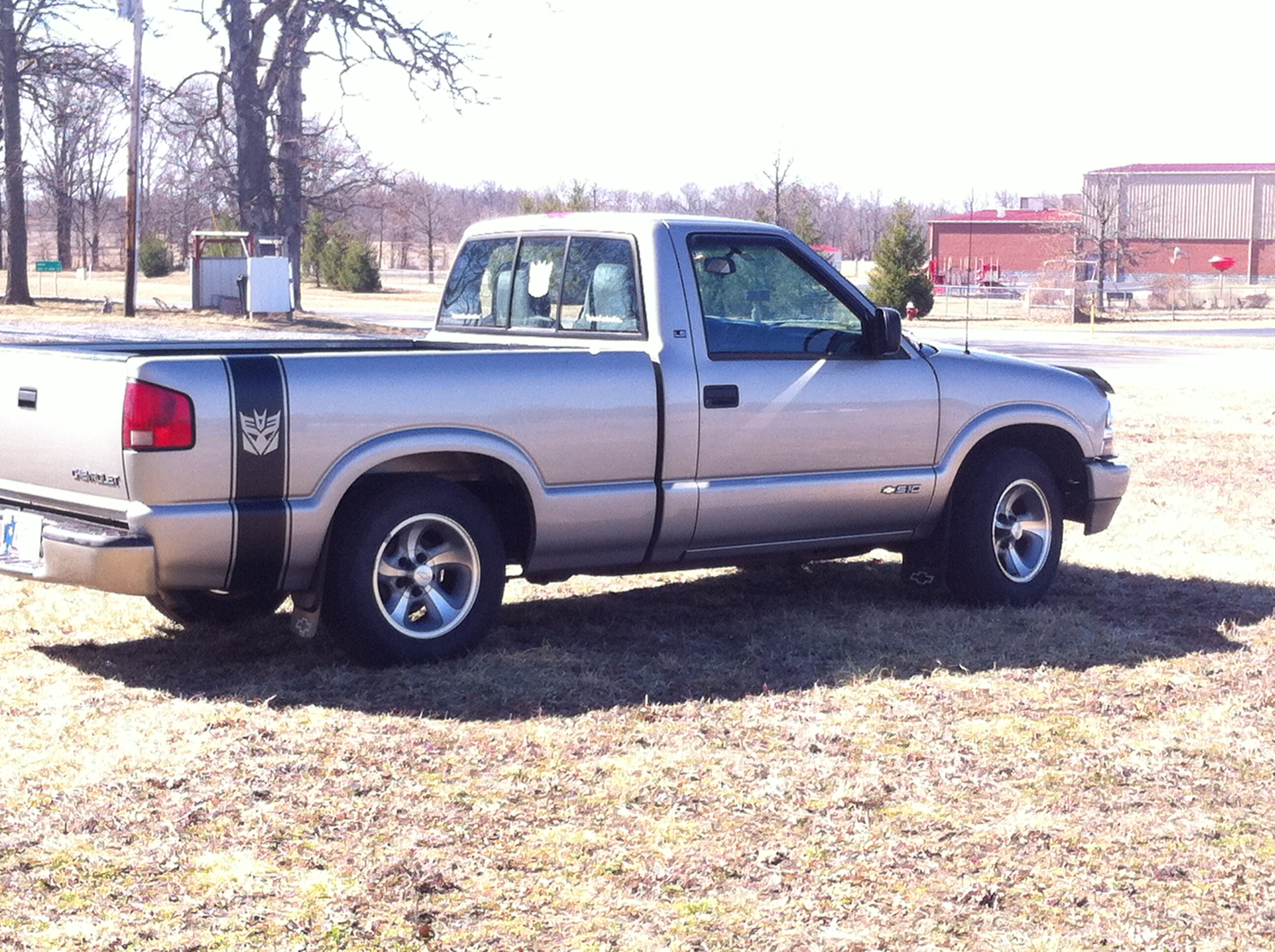 2001 Chevrolet S10-Regular-Cab